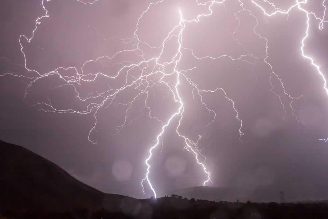 lightning 399853 1280